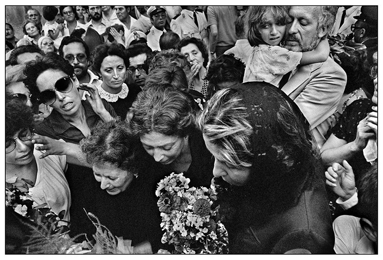 1980.Castelvetrano.-Funerali-del-sindaco-democristiano-Vito-Lipari-ucciso-dalla-mafia-Copia